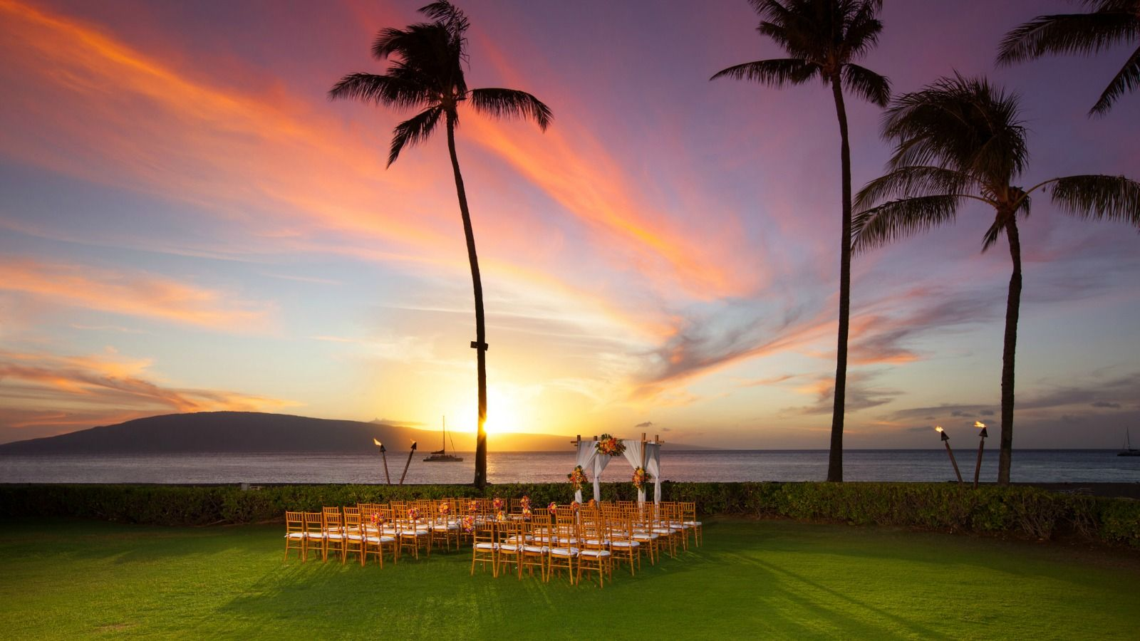 Sheraton Maui Resort & Spa - Ocean Lawn