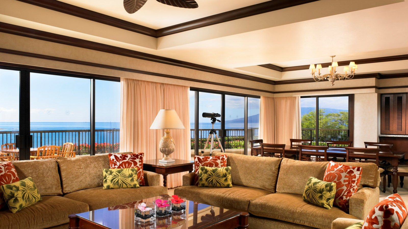 Sheraton Maui Resort & Spa - Ali'i Suite Living Room
