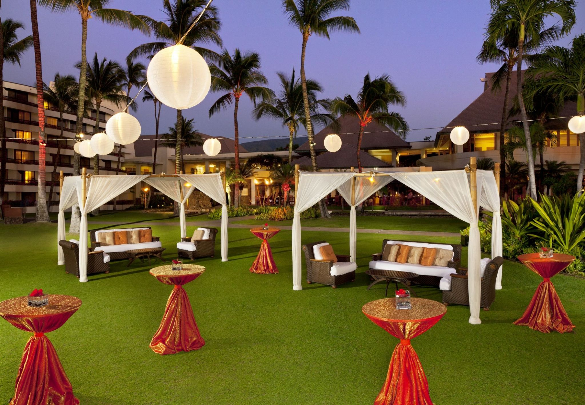Sheraton Maui Resort & Spa - Anuenue Lawn Wedding Reception