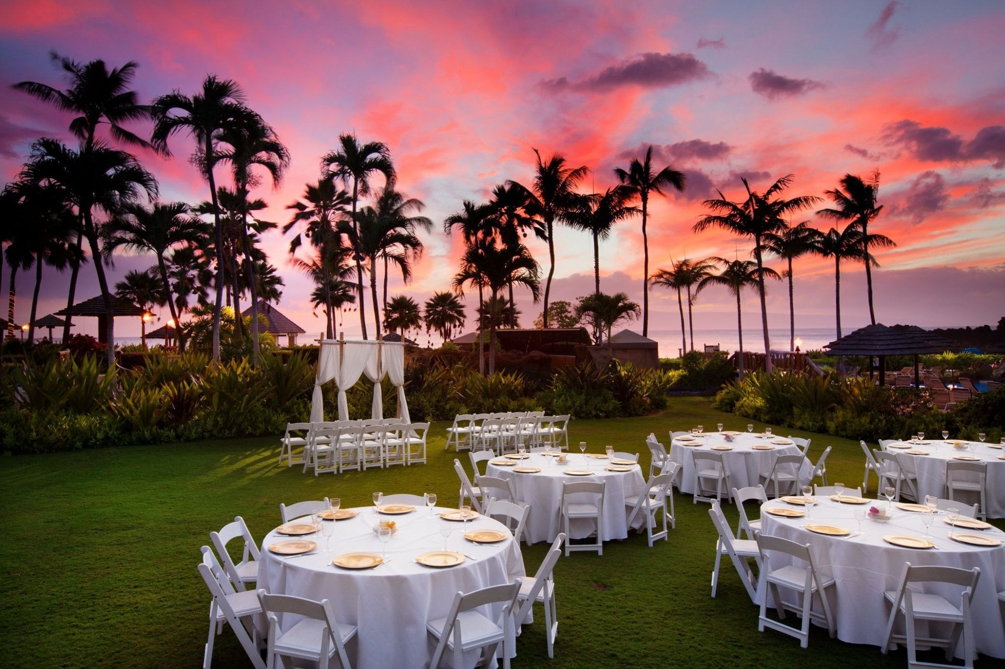 Sheraton Maui Resort & Spa - Anuenue Lawn Wedding Sunset